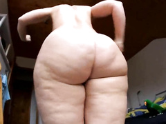 Fat amateur ass dancing and jiggling naked over the camera