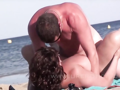 Outdoor group fuck session on a beach