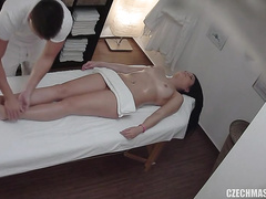Amateur Czech beauty on the massage table for a happy ending