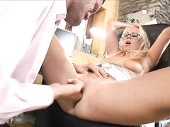 Horny blonde get her pussy drilled hard