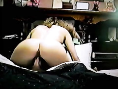 Hot mom gets horny and start fucking